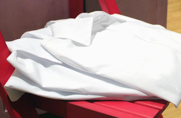 La Camisa Blanca